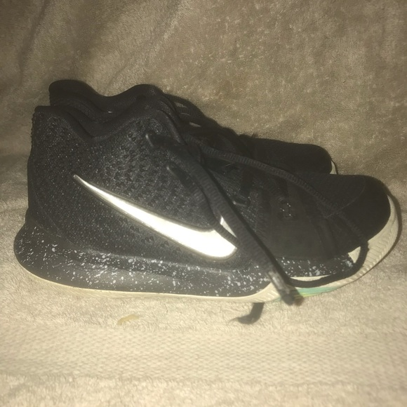 Nike Other - Boys/girls basketball sneakers